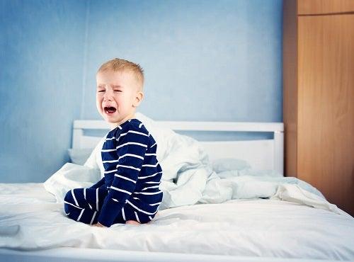 Hvordan ved jeg om mit barn får nok søvn?