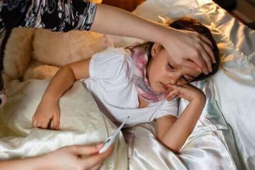 Bør du give både paracetamol og ibuprofen til børn?
