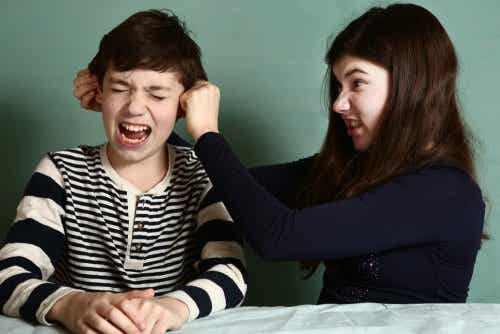 Lær at kontrollere rivalisering mellem søskende