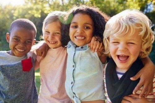 Socialisering i barndommen: Derfor er det vigtigt
