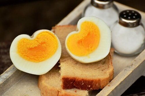Hvornår du skal tilføje æg til dine børns kost