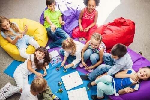 Når man leger sammen, lærer man at være social