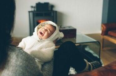 Min baby græder om natten: Tips og gode råd