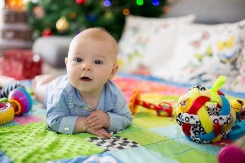 Fordele ved et aktivitetstæppe til babyer