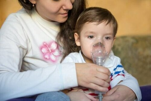 Hvæsen hos børn: Symptomer og behandling