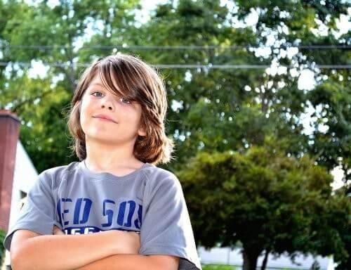 Dreng udstråler masser af selvtillid