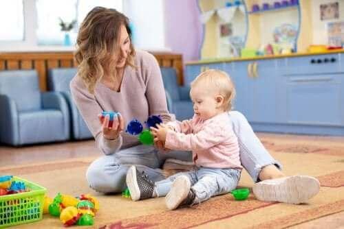 mor der leger med baby