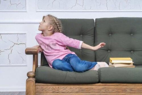 Mit barn laver undskyldninger for at undgå skolen