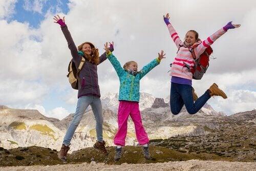 børn der hopper