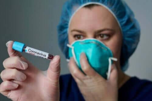 En prøve på coronavirus