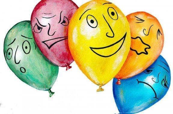 balloner med forskellige ansigter
