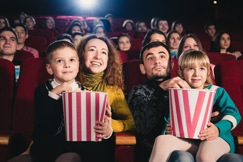 folk i biografen