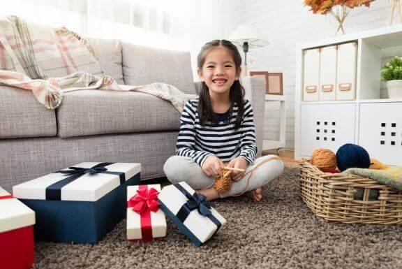 pige med gaver