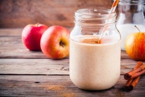 En frugtsmoothie indeholder mange sundhedsfordele
