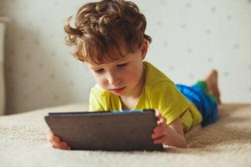 De negative effekter ved skærmtid for børn