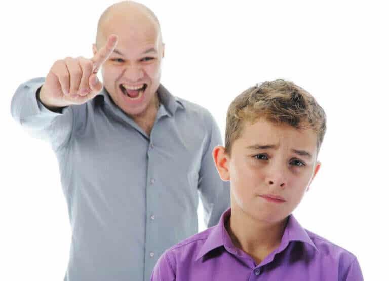 Dit stemmeleje, når du disciplinerer dine børn