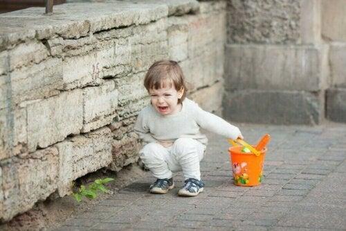 Lille pige får anfald