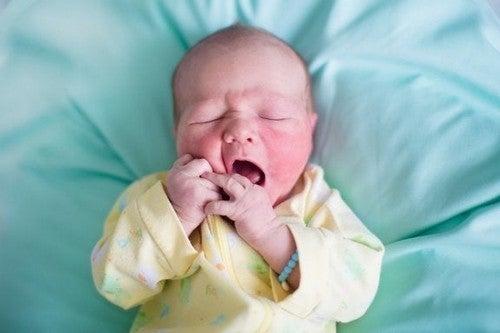 Tør hud hos nyfødte: Hvad forårsager det?