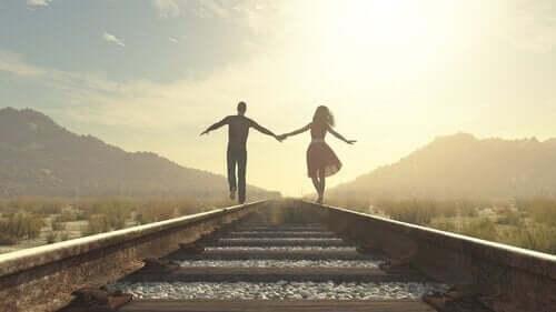 Vigtigheden af forpligtigelse i et forhold