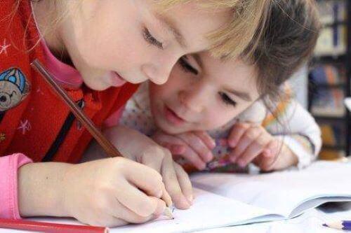 5 øvelser til at forbedre børns håndskrift.