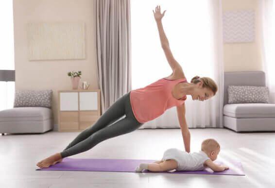 De bedste måder at træne på efter fødslen
