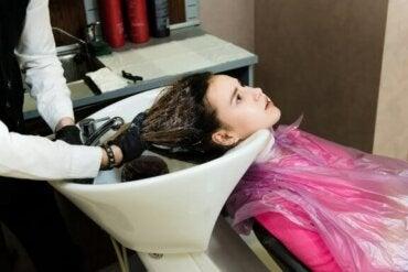 Kan du få dit hår permanent udglattet under graviditeten?