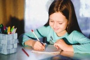 5 øvelser til at forbedre børns håndskrift