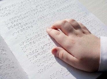 Børn med synshandicap og skoleopgaver