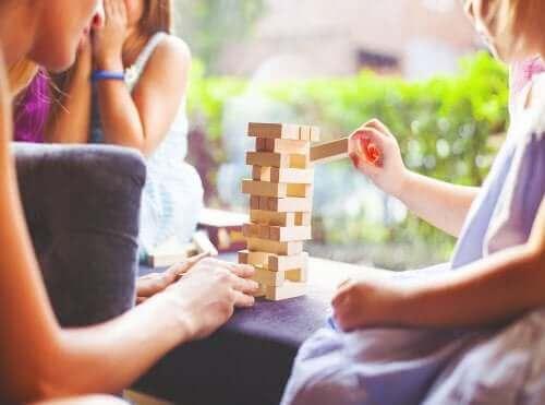 brætspil til at forbedre opmærksomhed