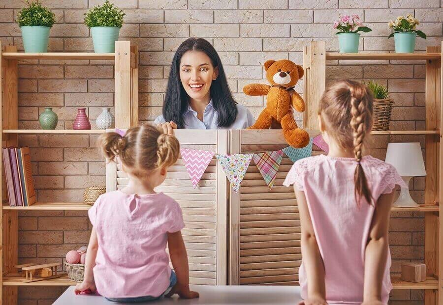 Aktiviteter for børn derhjemme: Dukketeater.