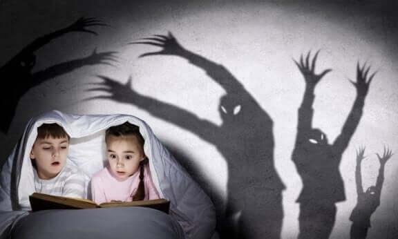 Sådan fortæller du dine børn uhyggelige historier