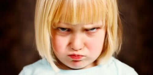 vred lille pige
