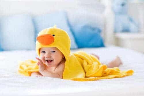 Nemmere badetid med accessories til babybadet