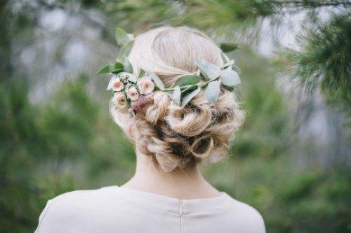 bladkrans i hår