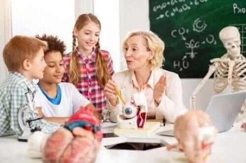 børn der bliver undervist