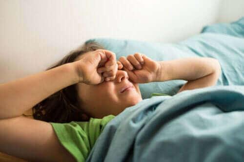Hvad er forvirret arousal hos børn?