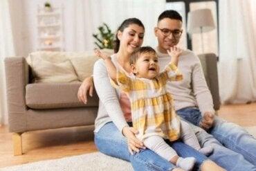 Undgå stress, når du besøger folk med din baby