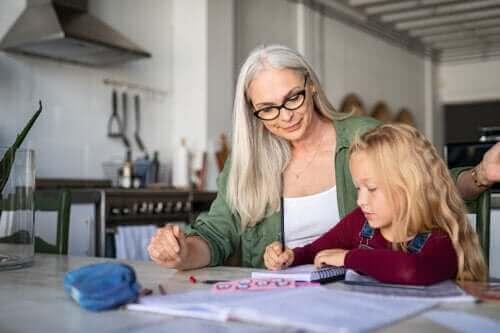 4 aktiviteter til at forbedre skriftsproget derhjemme