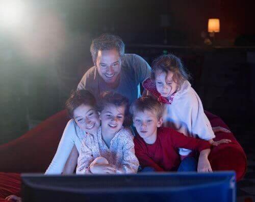 familie der er klar på at se børnefilm