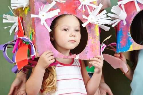 Barn i kreativt kostume