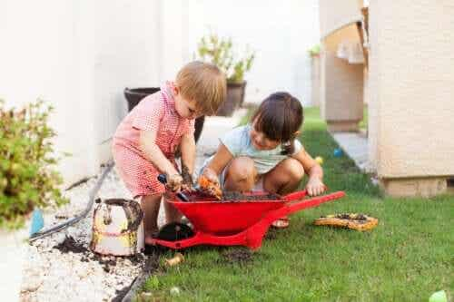 Det påvirker børns udvikling, når de bliver beskidte under leg