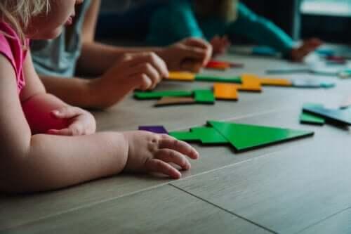 5 aktiviteter til undervisning i problemløsning til små børn