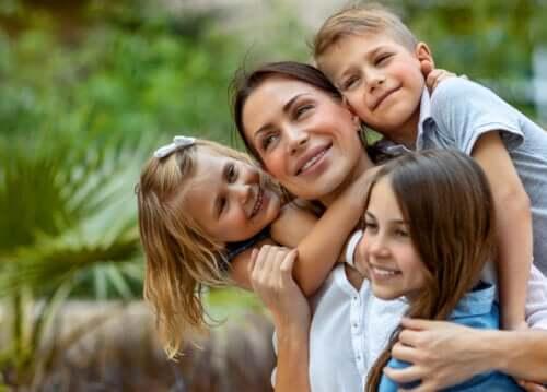 Det er godt for dine børn at se dig som en ufuldkommen mor