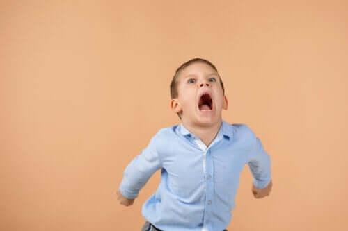 8 teknikker til at hjælpe børn med at håndtere vrede