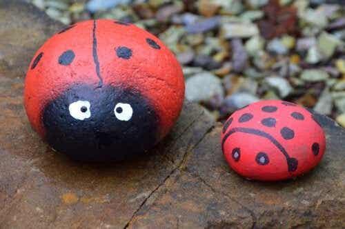 5 håndværk med malede sten